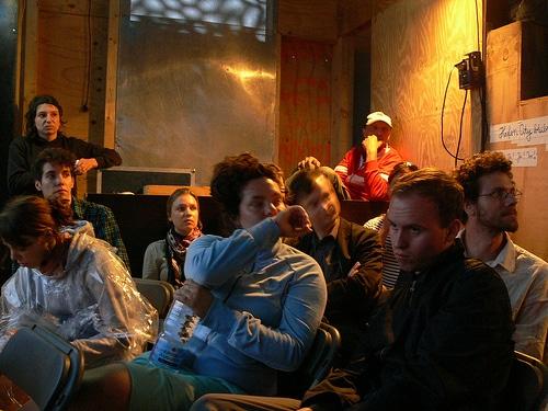 Aufmerksames Publikum bei der Subvision HafenCity Bleibt Diskussion