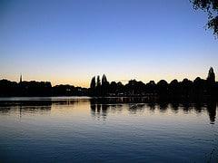 Alster am Abend in Hamburg