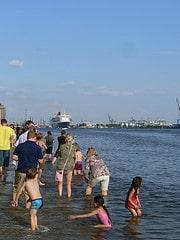 Queen Mary 2 Elbe Hamburg