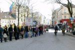 Menschenkette der Atomgegner in Hamburg-Altona