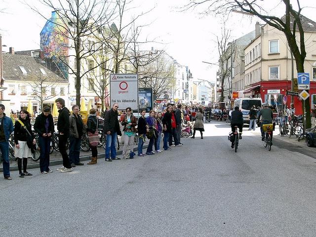 Menschenkette der Atomgegner in Hamburg-Altona. Ein Kommentar.