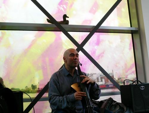 Cello an der Elbe – Ponton-Konzert von Wolfram Huschke