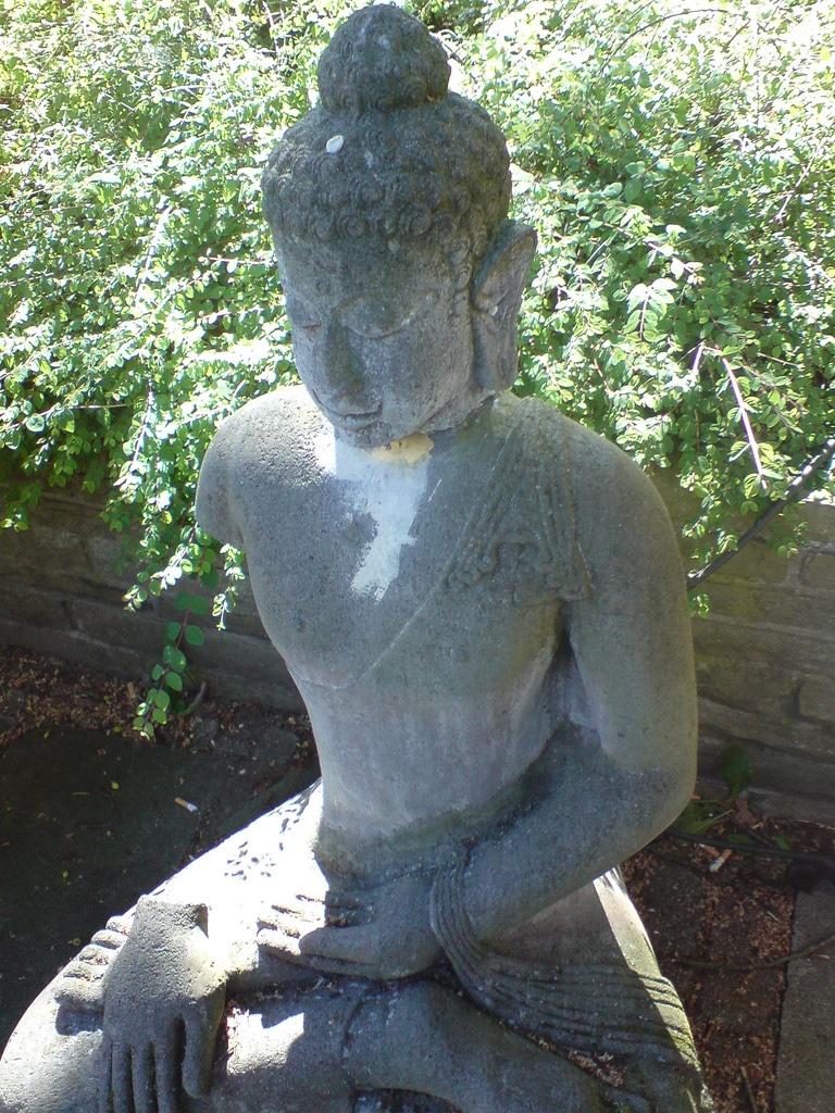 Buddha in Hamburg im Sommer