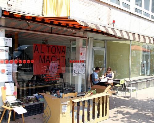 Altona macht auf – Sehnsuchtsfenster und Balkon-Theater zur 14. altonale