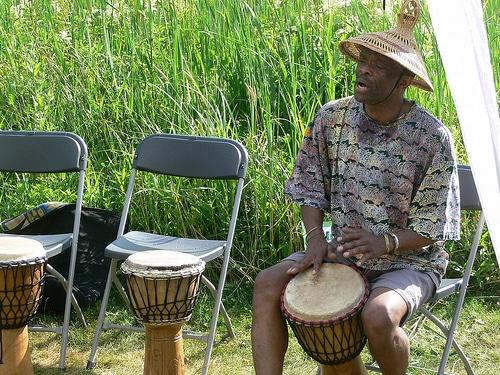 Afrikanisches Trommeln bei laut & luise