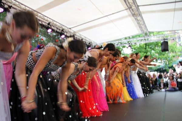 Indische Tänzerinnen bei der ALTONALE 2012