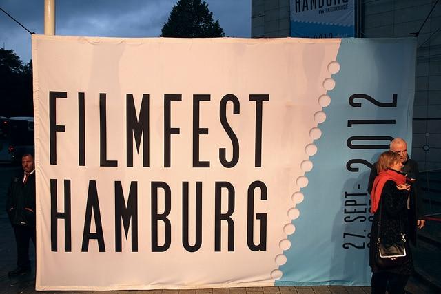 Promis auf dem roten Teppich beim Filmfest Hamburg