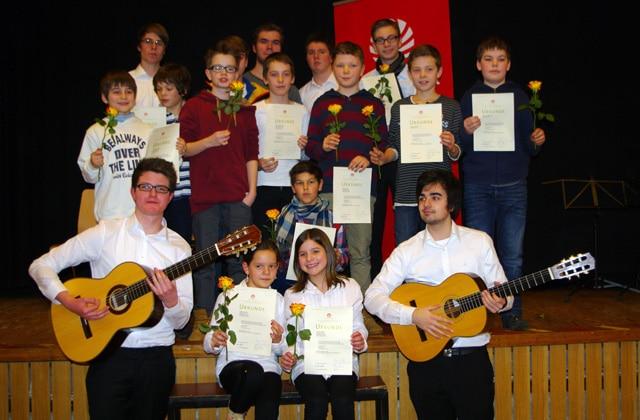 Gitarrenkonzert mit 20 Preisträgern in Hamburg