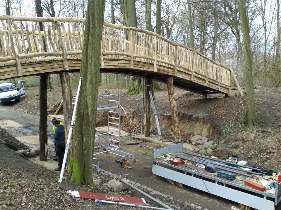 Einweihung der Knüppelbrücke im Jenischpark