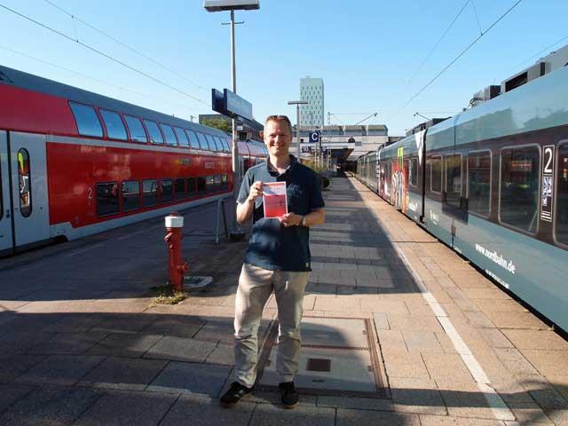 Tief in der Nordsee – Krimi-Autor aus dem Regionalexpress liest im Hamburger Süden