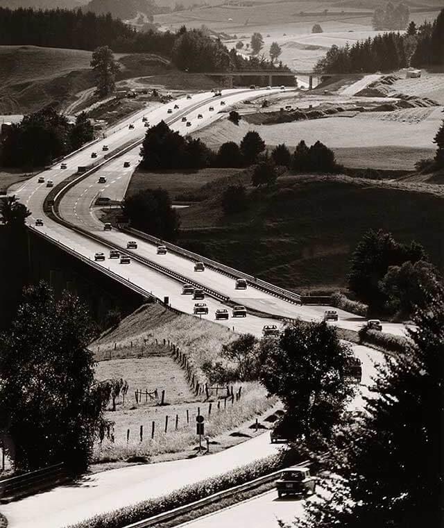 Foto-Ausstellung: Auf der Autobahn in die moderne Welt