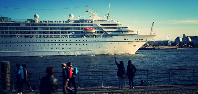 Cruise Liner in Hamburg