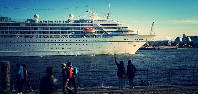 Kreuzfahrtschiffe im Hamburger Hafen: Jahrbuch Cruise Liner in Hamburg