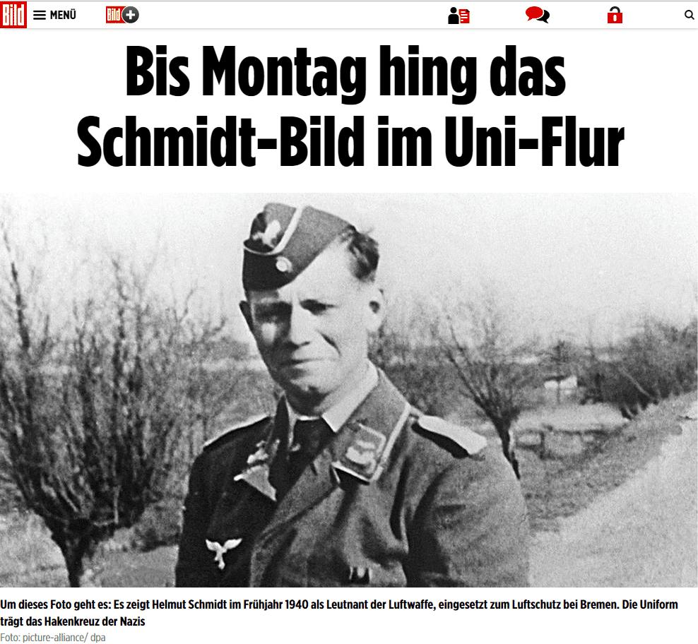 Augen rechts: Wehrmachtsoffizier Helmut Schmidt wird abgehängt