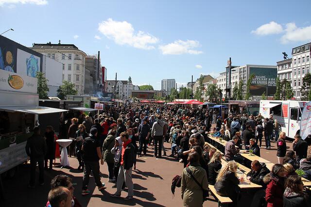 Street Food Session – St. Pauli Straßenmampf Nr. 100 auf dem Spielbudenplatz