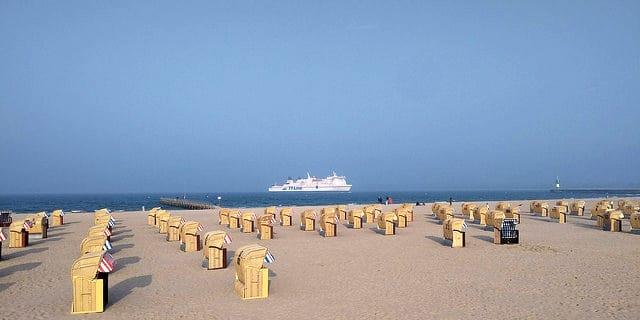 Von Hamburg an den Timmendorfer Strand – Ausflugstipp mit Bus & Bahn