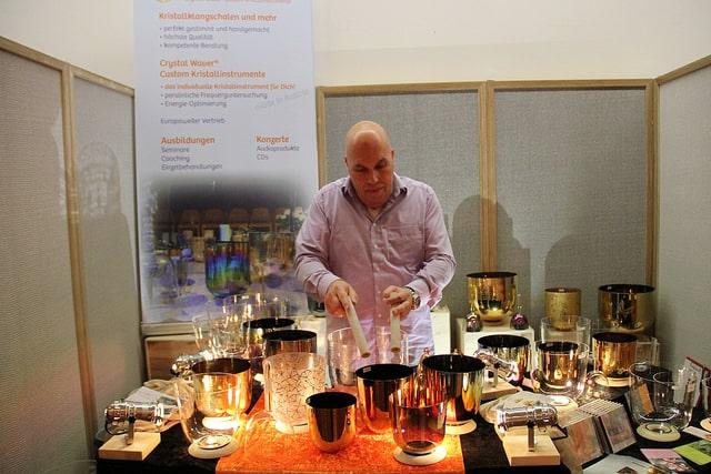 Esoterik: Lebensfreude-Messe in der Messehalle Hamburg-Schnelsen