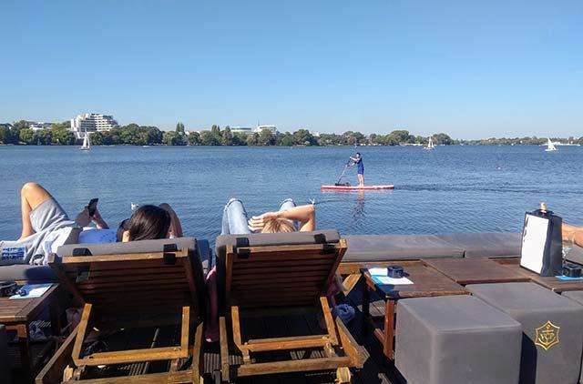 Stand Up Paddling im Frühling und im Sommer in Hamburg
