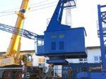 Ein neues Denkmal am Lotsekai im Harburger Binnenhafen: Der blaue Peiner-Kran