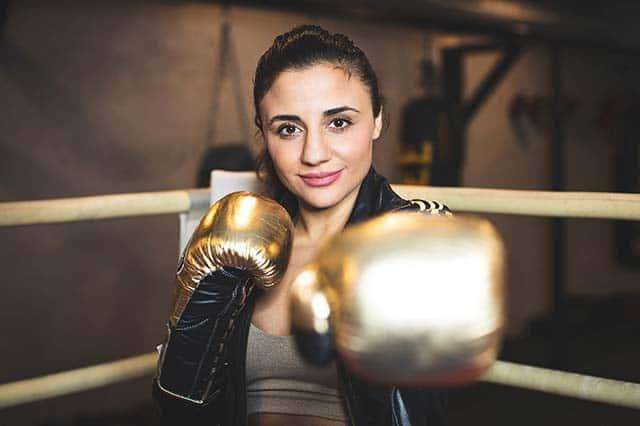 Box-Weltmeisterin Susi Kentikian im Alstertal-Einkaufszentrum