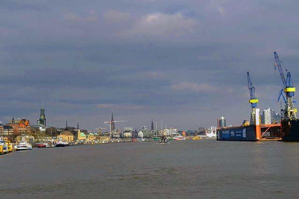 Kleines Stadtportrait: Der Hamburger Hafen