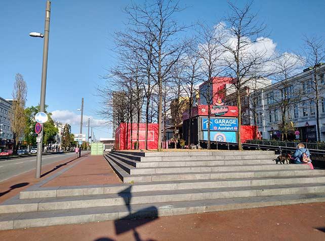 Nach Lockdown: Der Spielbudenplatz an der Reeperbahn öffnet den Biergarten