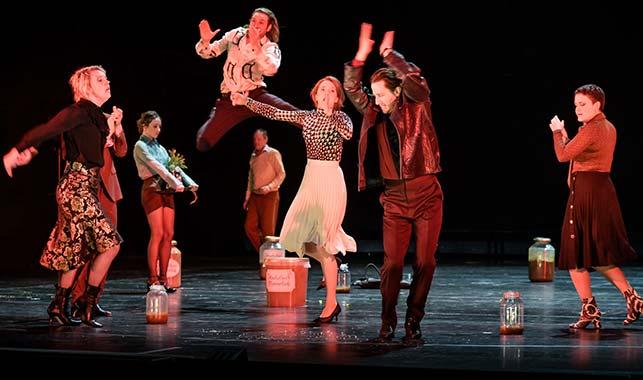 Szene aus Ivanov im Hamburger Schauspielhaus